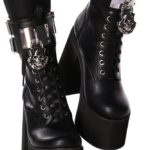 LOCK-ME-UP-BOOTS 1
